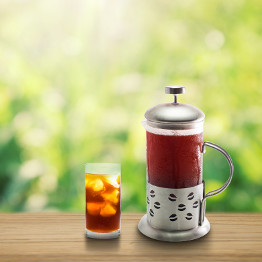 French Press neben Cold Brew