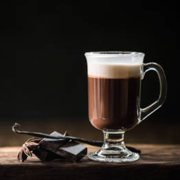 Glas mit Irish Coffee